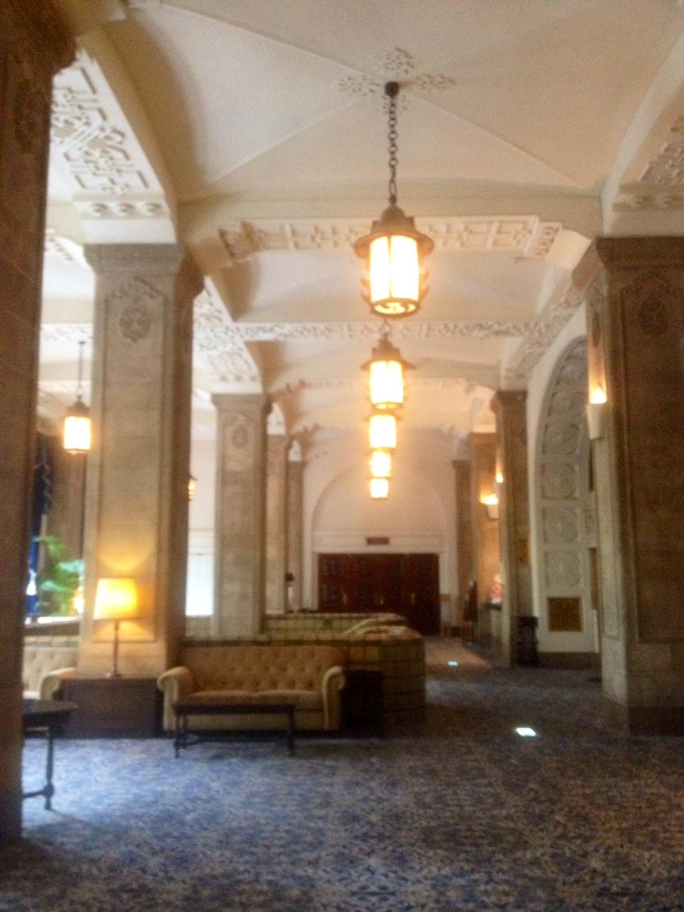 ホテルニューグランドロビー